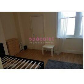 Double Studio To Rent Camden High Street, Camden Town NW1 0NE