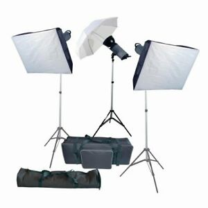 Kit de Flash Promaster Deluxe 3 Light Studio Lighting Kit