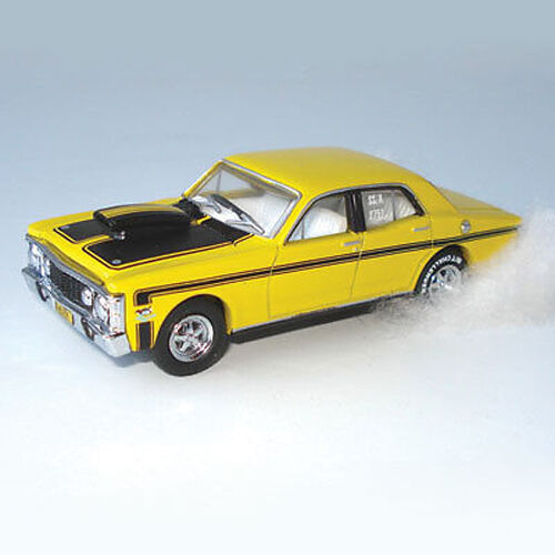 NEW-1969-XW-GT-Ford-Falcon-Yellow-Street-Rod-HELRZR-1-64-Diecast-Model-Car