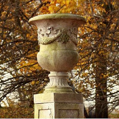 giardino garden urn planter made of fiberstone