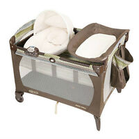 Graco Pack N Play w/ Newborn Napper & Changing Table