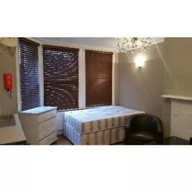Studio To Rent Glazbury Road, West Kensington W14 9AS