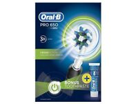 Oral-B Pro 650 Electric Toothbrush NEW