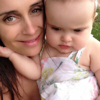 French familly looking for a live-in Nanny in Quebec :)