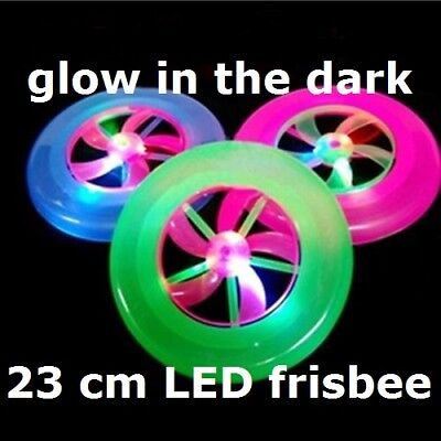 23cm LED GLOW IN THE DARK LIGHT UP FRISBEE FLYING SAUCER DISC OUTDOOR UFO TOY