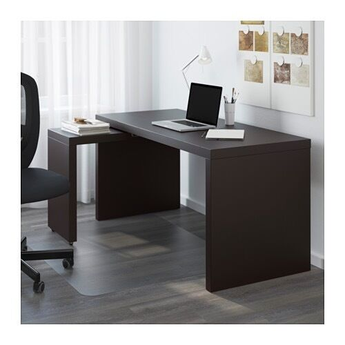 Desk with pull-out panel (the panel can be fixed on preferred side)