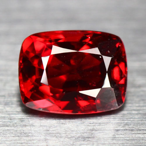 0.95 CTS_GLITTERING TOP LUSTER_100 % NATURAL BURMESH UNHEATED HOT RED SPINEL