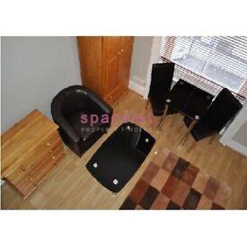 *Move In Quick* Mezzanine Studio To Rent Prince's Square, Notting Hill, London W2 4PX.