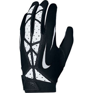 online retailer 581b2 26e10 Football Gloves Buying Guide
