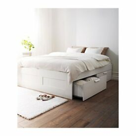 Double White Bed with storage Bed frame and storage (4 drawers) 2in each side of the bed&mattress