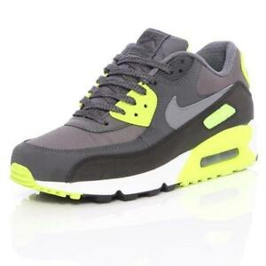 online store a80c3 e0bb0 Nike Air Max 90 Essential Women