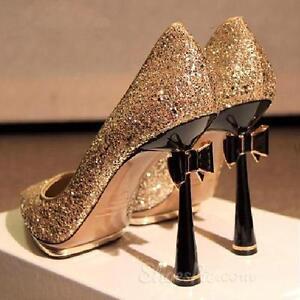 Chaussures brillantes à talons aiguille et nœud 150$