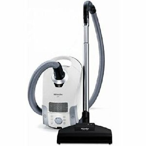 Miele S4212 WITH 12 new VACUUM BAGS!!