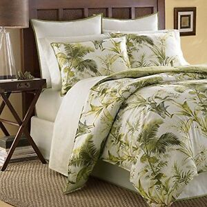 Beautiful queen sized duvet cover with matching shams