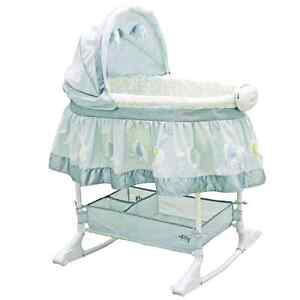 Bassinet  like new ask for pictures
