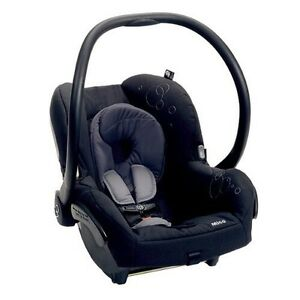Maxi Cosi Infant Car seat with extra base