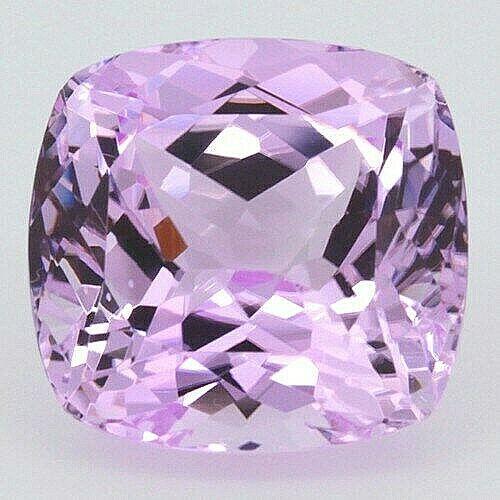 Beautiful Natural 26.40 Carat Cushion Cut Pink Kunzite VVS/IF 17.7mm x 17mm