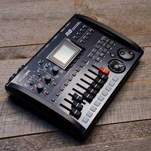 ZOOM R8 Digital Interface Recorder As New 2 weeks old!! $295!!! Lutwyche Brisbane North East Preview