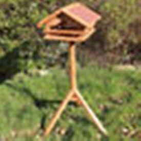 Wooden Bird Table Feeder Garden Feeding Station