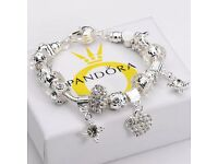 BARGAIN NEW & UNUSED Womens Pandora Fashion Jewellery 925 Solid Silver Bangle Heart Pendant Bracelet