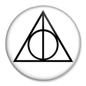 HARRY-POTTER-Deathly-Hallows-Symbol-25mm-1-034-Pin-Badge-Button-J-K-Rowling