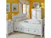 Bett Im Modernen Landhausstil   Massiv Holz   Elegant U0026 Schön