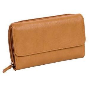 Mundi Handbags on Poshmark