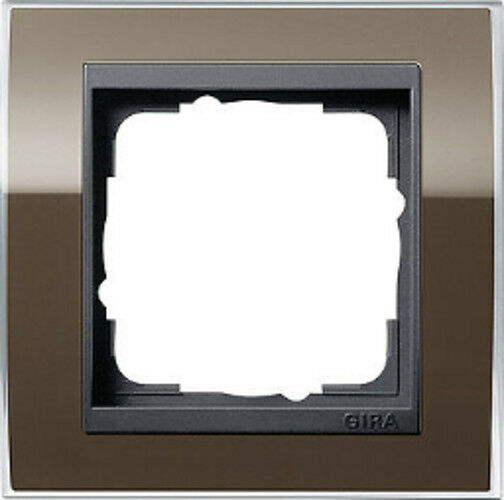 0211768 Gira brauner Abdeckrahmen Event, 1fach, anthrazitfarbene Zentraleinsätze
