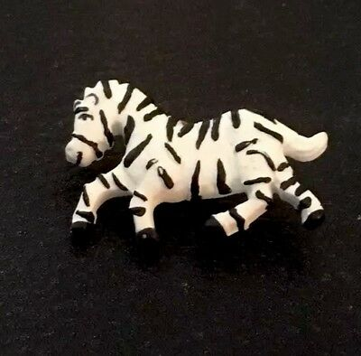 "Large Vintage 1 1/2"" Realistic Novelty Goofy Plastic Running Zebra 🦓 Button"