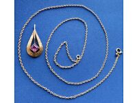 FINE 8ct GOLD PENDANT with PINK STONE and CHAIN