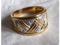 14 ct Gold and Diamond Ring - Size Q