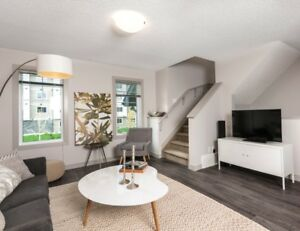 3 BDRM TOWNHOME!!!! LARGE KITCHEN