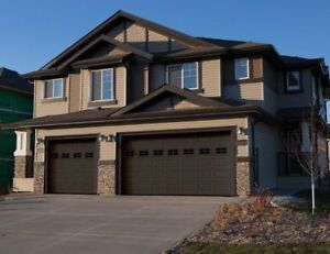 FULLY LOADED DUPLEX IN THE FORT! RED TAG! DOUBLE CAR GARAGE!