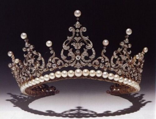 Victorian 15.70 Ctw Rose Cut Diamond & Center Pear Sterling Silver Weeding Tiara