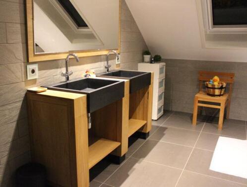 Badkamer Exclusief Someren : Marmeren wastafels ook met rvs frame bij badkamerexclusief