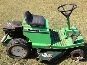 BOLENS RIDING LAWN MOWER, MANY NEW PARTS!
