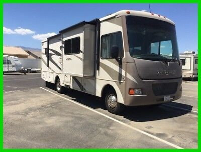 2014 Winnebago Vista 30T Class A RV, Motorhome, 32', 3 Slide Outs, 1 Awning