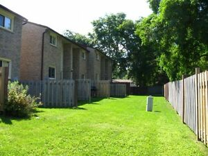 2 Female rooms, near UWO, All-Incl, Free Wifi, May 1st London Ontario image 8