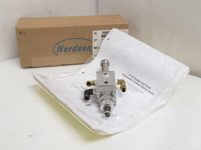 193031 New In Box Nordson 245375C LOT-36 Automatic Airless Spray Gun AA07H 00889