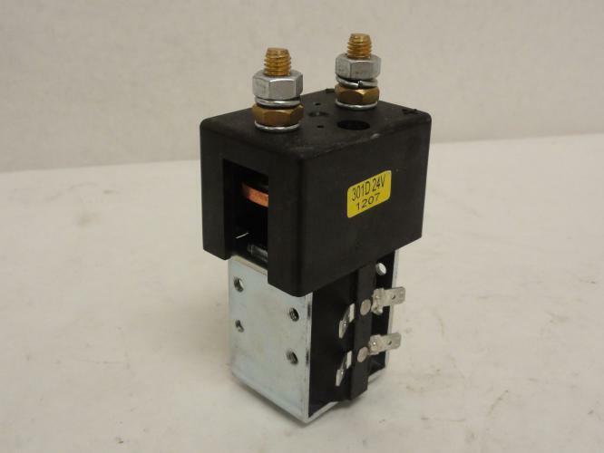 170233 Old-Stock, Curtis 301D-24V-1207 DC Contactor, 24V, 150 Amp