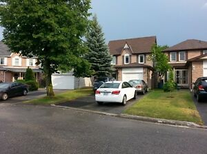 3 bedroom detached home in Desirable Central Ajax