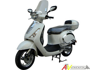 New SAGA Quest 49cc Gas Scooter/Moped on January SUPER SALE Now! Edmonton Edmonton Area image 2
