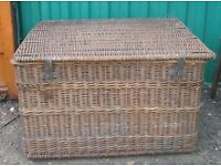 Large Antique Victorian Willow Wicker Trunk Laundry Mill Log Toy Coffee Table 112x100x70cm