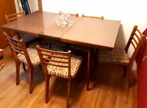 1960 Mid Century Modern Walnut & Formica Dining Table & 6 Chairs