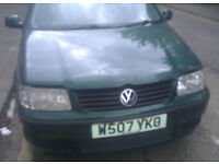VW Polo 1.4 8V N/S Headlight Breaking For Parts (2000)