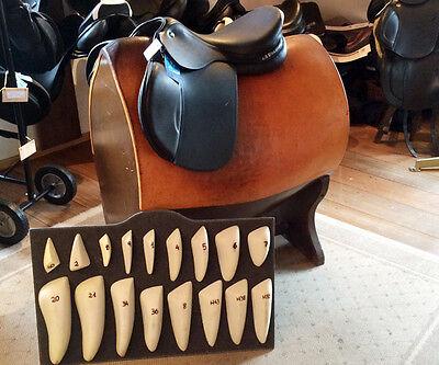 Wer seinen Sattel neu kauft, kann bei manchen Modellen die Größe der Pauschen bestimmen (© Susanne Feiler)