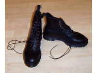 Dr Martens Hadley Boots