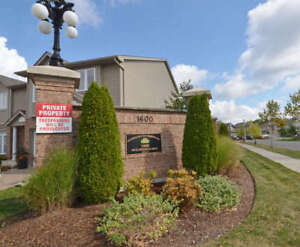 HYDE PARK- 8 YRS OLD  REMBRADNT TOWNHOME FOR SALE