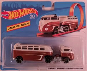 Hot Wheels Custom Volkswagen Hauler 1:64 CGJ44
