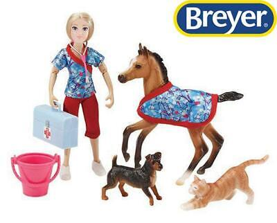 New Breyer Day At The Vet 8pc Set Freedom 1:12 Scale - 62028